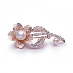 18k South Sea Pearl with Diamonds